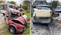 Авто перетворились на брухт: у Чернівцях зіткнулись легковики, є постраждалі