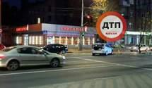 Не поділили дорогу і збили жінку: на Солом'янці сталася нічна смертельна ДТП