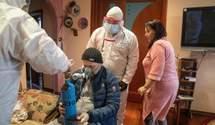 """Від COVID-19 вмирають 40% пацієнтів реанімацій Києва: лікарі показали страшні фото з """"передової"""""""