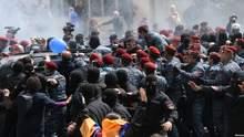 Протести в Єревані: поліція вже затримала майже 200 людей