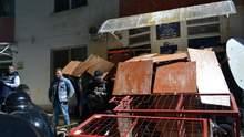 Барикади, штурм і затримані: з'явились фото, відео і деталі сутичок в Одесі