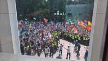 Под Радой стычки: фото и видео с места событий