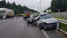 На трасі Київ – Харків у моторошній ДТП загинули дві людини: фото 18+
