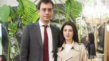 У Криму та в Росії продається дизайнерський одяг дружини Омеляна