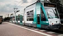 На улице Германии выехал первый в мире беспилотный трамвай видео