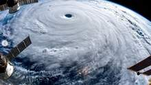 На Китай надвигается мощный тайфун: впечатляющие фото стихии из космоса