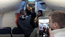 """У """"Борисполі"""" сталась аварія літака: фото ушкоджень"""