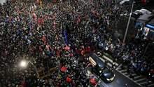 В Польше тысячи людей провожают в последний путь погибшего мэра Гданьска