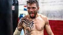 Український боксер Редкач зустрінеться із зірковим екс-чемпіоном у чотирьох вагових категоріях
