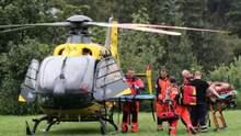 В Польщі одна блискавка вбила трьох людей, ще десятки поранені: що відомо – фото
