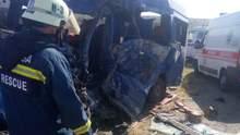 ДТП на одеській трасі: загинули 9 осіб – моторошні фото, відео (18+)