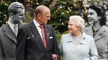 Елизавета II и принц Филипп празднуют 72 годовщину свадьбы: история любви королевской пары