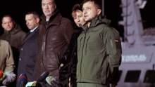 У самолета Зеленского отказал двигатель, но президент таки прибыл в Очаков встречать корабли