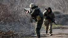 За добу українські захисники знищили двох бойовиків та щонайменше двох поранили