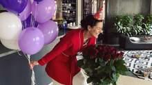 """Іменинниця Маша Єфросиніна опублікувала """"невдалі"""" святкові фото з кульками та трояндами"""