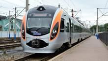 Укрзалізниця запустила перші поїзди: напрями