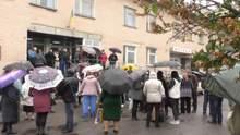 Не вистачає грошей: на Черкащині спалахнули протести через закриття лікарні – відео