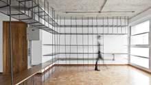 Сходи, дерево та бетон: 10 креативних варіантів книжкових полиць для дому – фото
