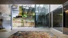 Створена природою: в Австралії побудували приморський котедж з стіною зі скелі – фото