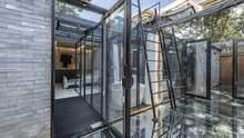 Невидимый двор: в Китае стильно обновили старый таунхаус – фото