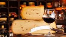 Як правильно поєднувати вино та сир