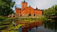 Ночівля в замку: як виглядає готель в Україні, де можна пожити в королівських апартаментах
