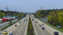 Незвичайні правила дорожнього руху у різних куточках світу, які варто взяти до уваги