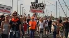 В Германии и Испании люди массово протестуют против карантинных ограничений: фото, видео