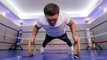 Гора м'язів та вбивча потужність: Усик показав, як готується до Чісори – відео