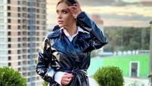 Слава Каминская снялась в нижнем белье на фоне спорткара: горячее фото певицы