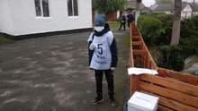 Неповнолітні волонтери опитування Зеленського: Денісова пояснила, чи можна було їх залучати