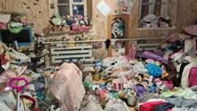 В мусоре и без продуктов: в Днепре 5 детей жили в нечеловеческих условиях – фото