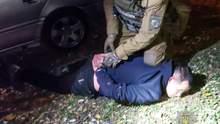 У Миколаєві затримали таксистів, які жорстко мстилися тим, хто втрутився у їх наркобізнес: відео