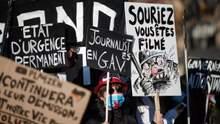 Через протести у Франції перепишуть скандальний закон про фото з поліцейськими