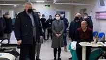 Посол у Туреччині відвідав врятованих із затонулого судна моряків