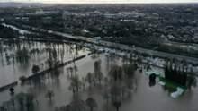 Британію накрила потужна повінь: фото наслідків негоди