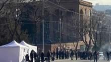 Протесты в Армении набирают обороты, США предостерегают от насилия: фото, видео