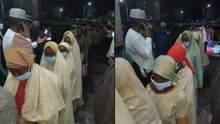 У Нігерії звільнили з полону понад 300 школярок, яких викрали бойовики
