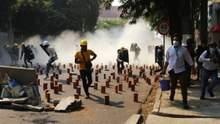 У М'янмі силовики знову стріляли по протестувальниках: щонайменше 10 загиблих
