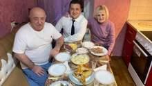 """В Кривом Роге осудили мужчину, который """"заминировал"""" дом родителей Зеленского"""