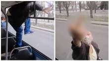 В Черкассах мужчина избил кондуктора троллейбуса и сбежал через форточку: возмутительное видео