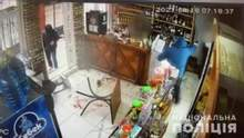Били битами и стреляли: на Харьковщине жестоко напали на мужчину – видео