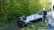 На Буковині автомобіль вилетів з траси: загинула 10-річна дівчинка