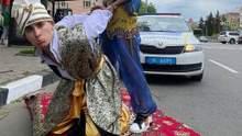 Килим більше не літає: за що оштрафували харківського Аладіна – відео, фото