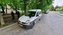 В Кривом Роге нашли тело мужчины в заведенном авто
