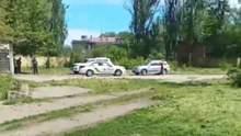 Під Одесою люди в масках розстріляли авто: є поранений – відео