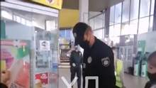 """У Дніпрі копи """"затримали"""" хлопця за відсутність маски: у нього струс мозку – відео"""
