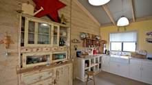 Кухня в деревенском стиле: практические советы по оформлению