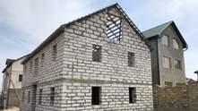 Будинок з газобетону: плюси та мінуси конструкції
