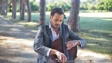 Самотність серед полів: віолончеліст HAUSER випустив нове відео